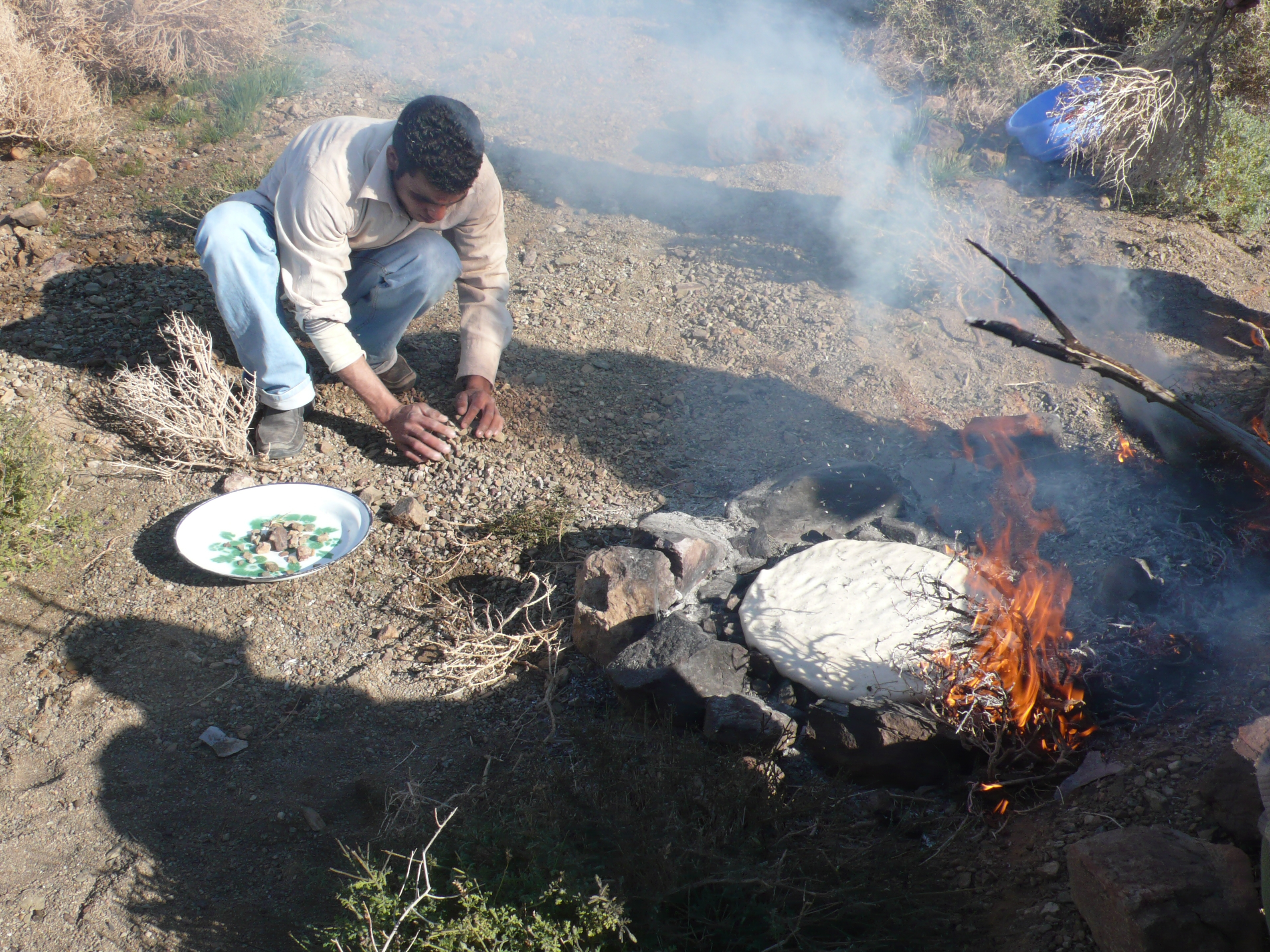 bread-cooking-on-rocks-with-fire1