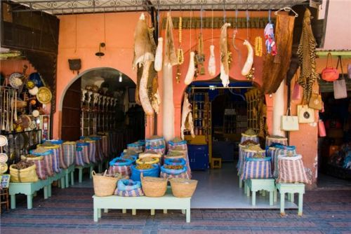 Shopping Tour – Travel the Souks Of Morocco To Discover The Finest Leather work, Carpets, Pottery, Embroideries & Basketwork