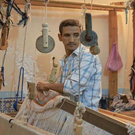 Art-Tissage-Tameslouht-Cooperative-Man-Weaving-Morocco-Travel-Blog