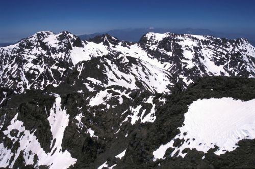 Ski in Morocco's Middle Atlas Mountains – Travel the Slopes of Oukaimeden and Mischliffen